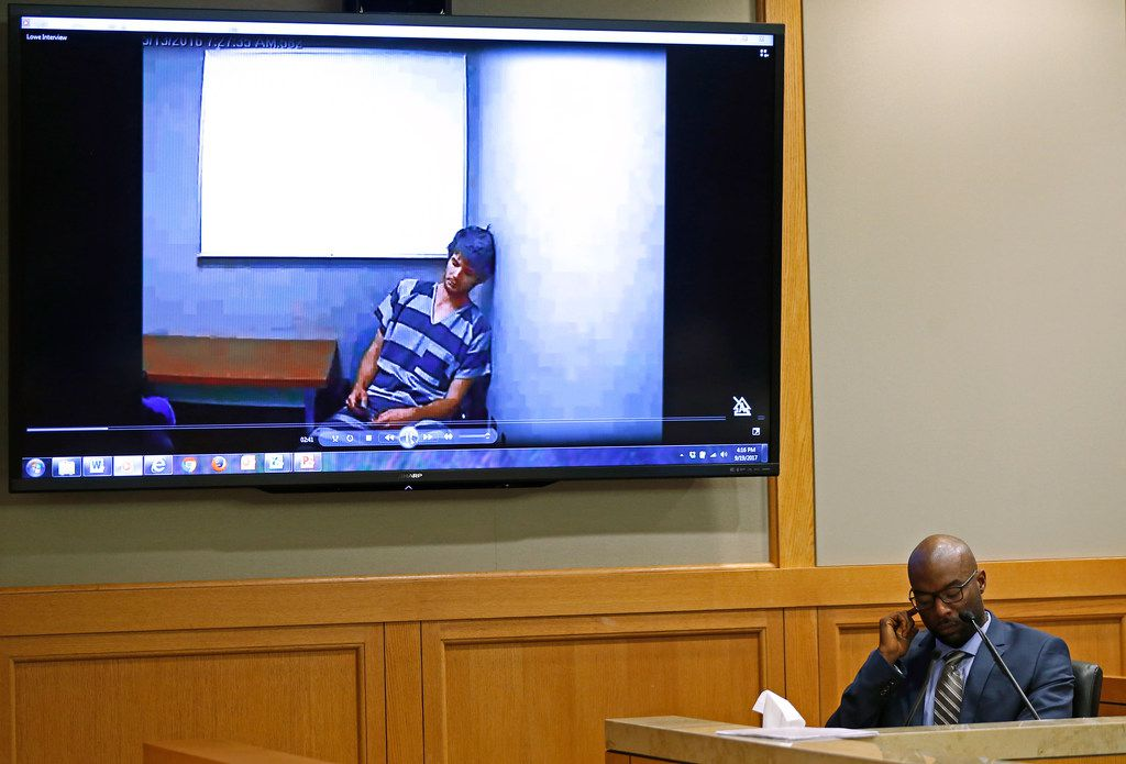 Richardson Police Detective Chiron Hale testifies as prosecution plays a video of a jail interview with defendant Jason Lowe during a murder trial in McKinney, Texas, Tuesday, Sept. 19, 2017.