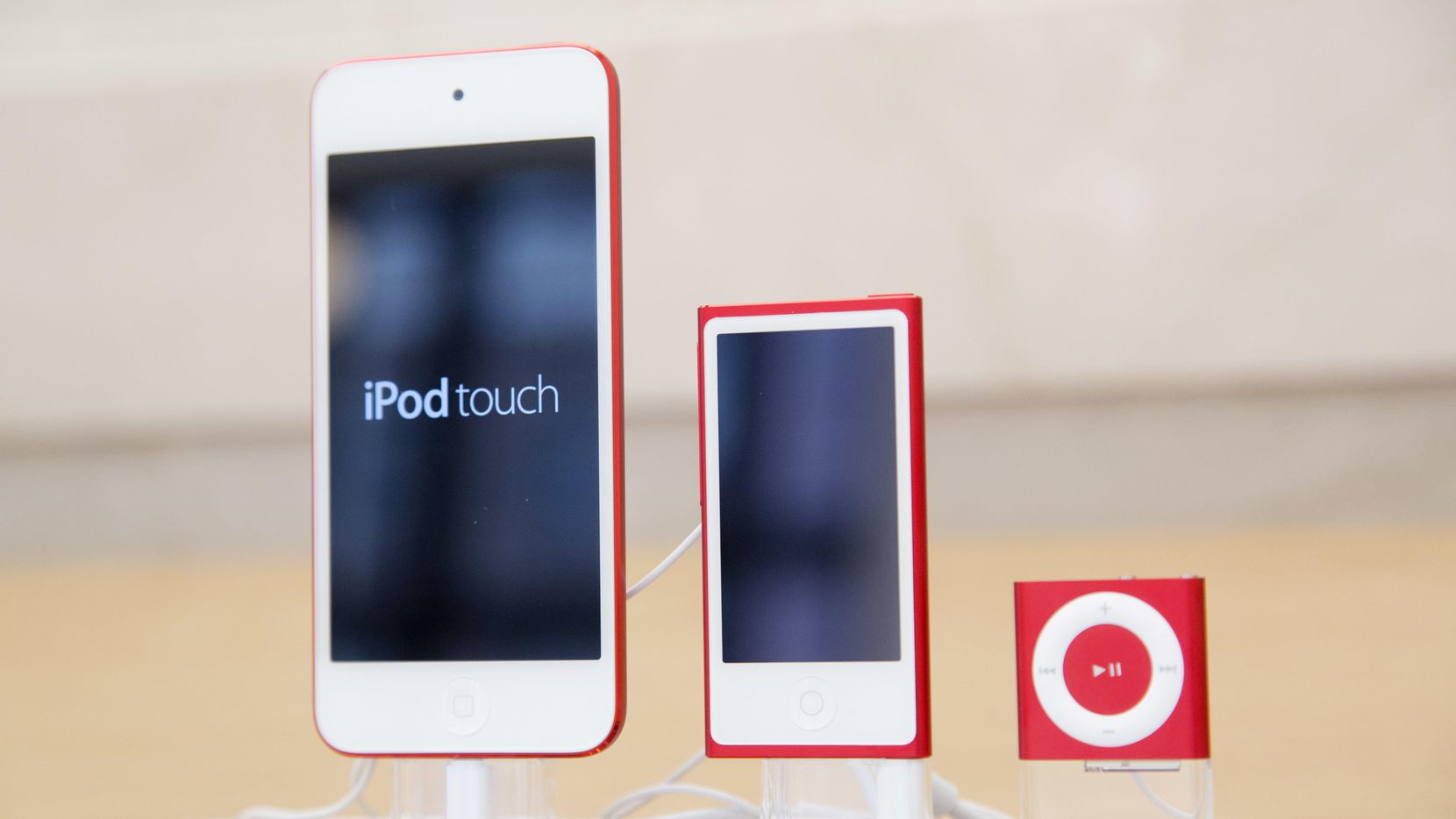 Los aparatos iPod Touch, iPod Nano y iPod Shuffle de Apple.(AP)