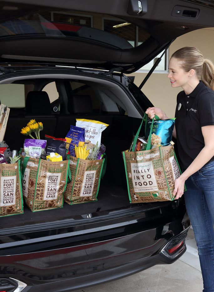 H-E-B   is adding curbside service to its Central Market stores, starting Thursday with its Fort Worth store.