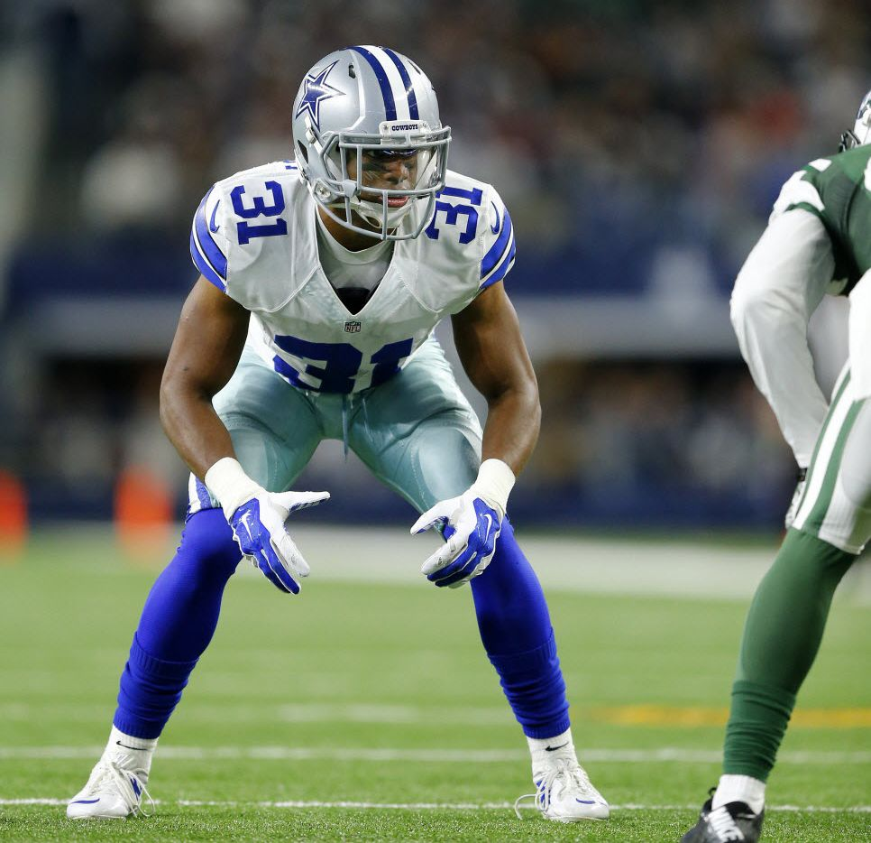 Dallas Cowboys free safety Byron Jones (31) lines up against the New York Jets in the first half at AT&T Stadium in Arlington, Texas, Saturday, December 19, 2015.(Tom Fox/The Dallas Morning News)