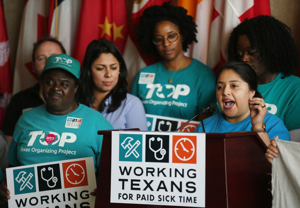 Diana Ramirez, subdirectora del Workers Defense Action Fund, habla durante una conferencia de prensa con Texans for Paid Sick Time en el Dallas City Hall en Dallas el viernes 13 de abril de 2018. Foto: Andy Jacobsohn / DMN