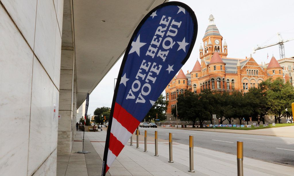 Early voting at the George L. Allen Sr. Courts Building in Dallas at 600 Commerce St. on Oct. 22, 2018.