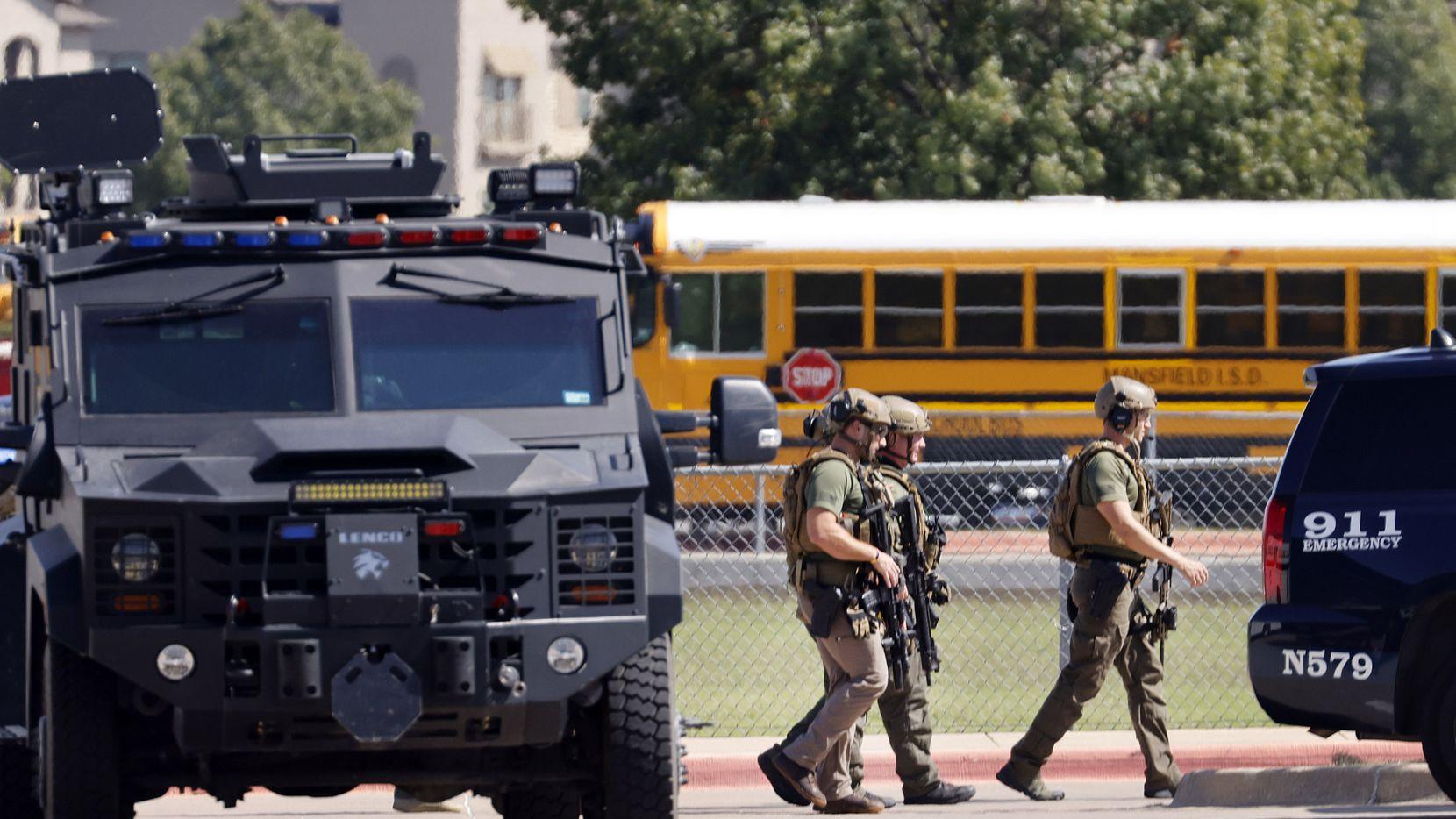 Bajo la ley de Texas las escuelas no están obligadas a proporcionar detectores de metales.