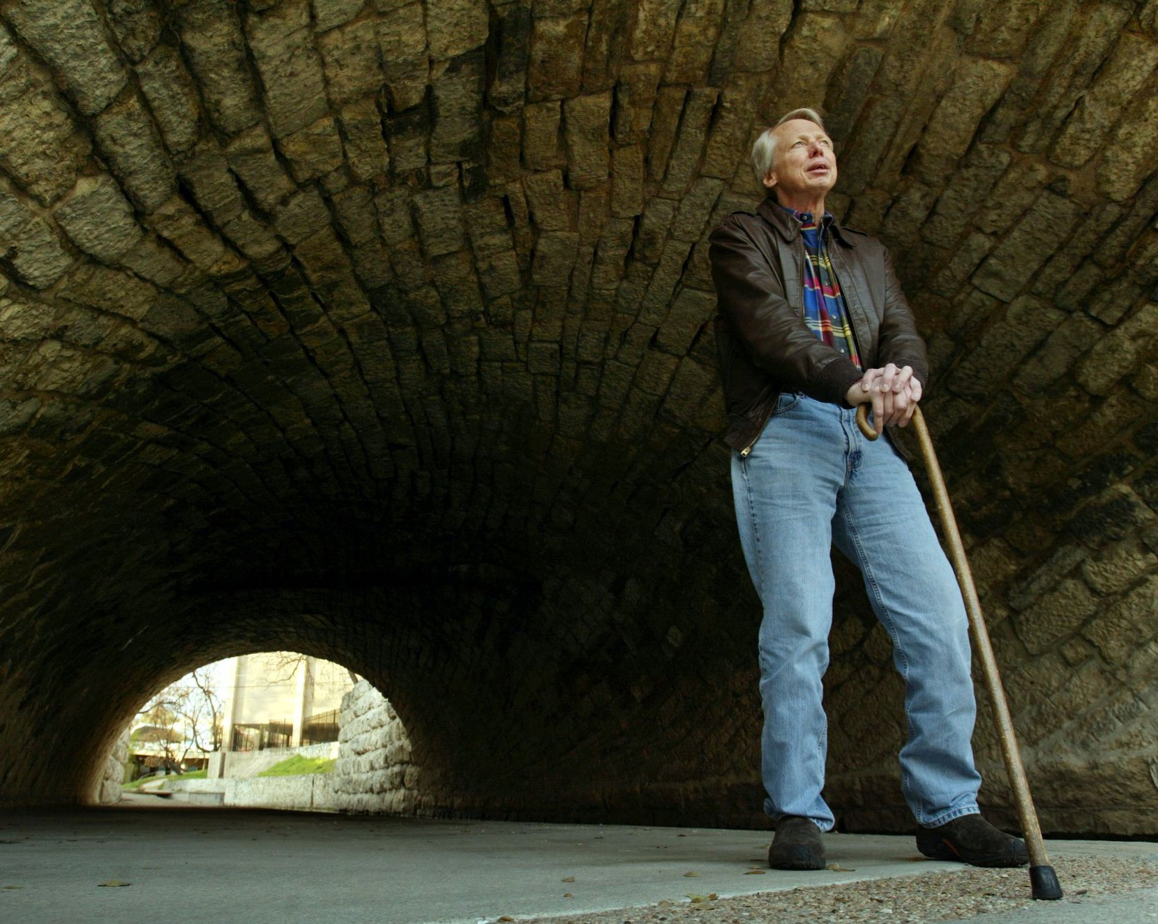 Jan Reid, shown here in 2002, was shot during a robbery in Mexico City and spent a long time after in recovery and physical rehabilitation.