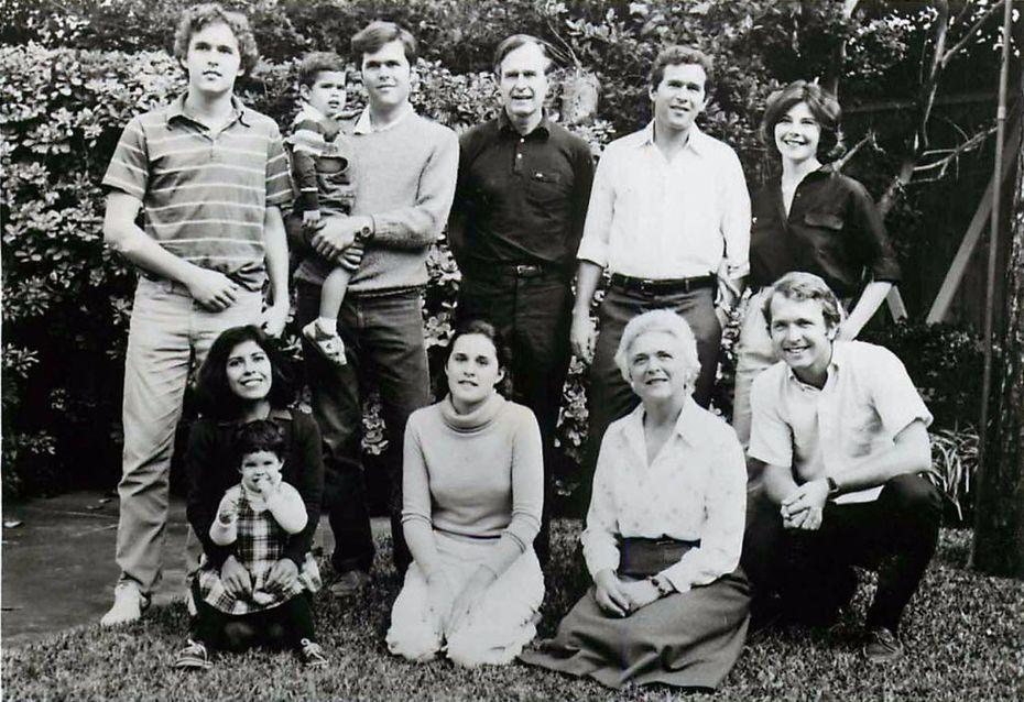 Top, from left: Marvin Bush, George P. Bush, Jeb Bush, George H.W. Bush, George W. Bush, Laura Bush. Bottom, from left: Columba Bush, Noelle Bush, Dorothy Bush, Barbara Bush, Neil Bush.