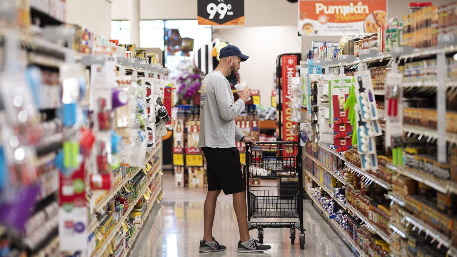 Brad Seaton shops for pasta and sauce inside the Tom Thumb supermarket at Custer Parkway in Richardson.