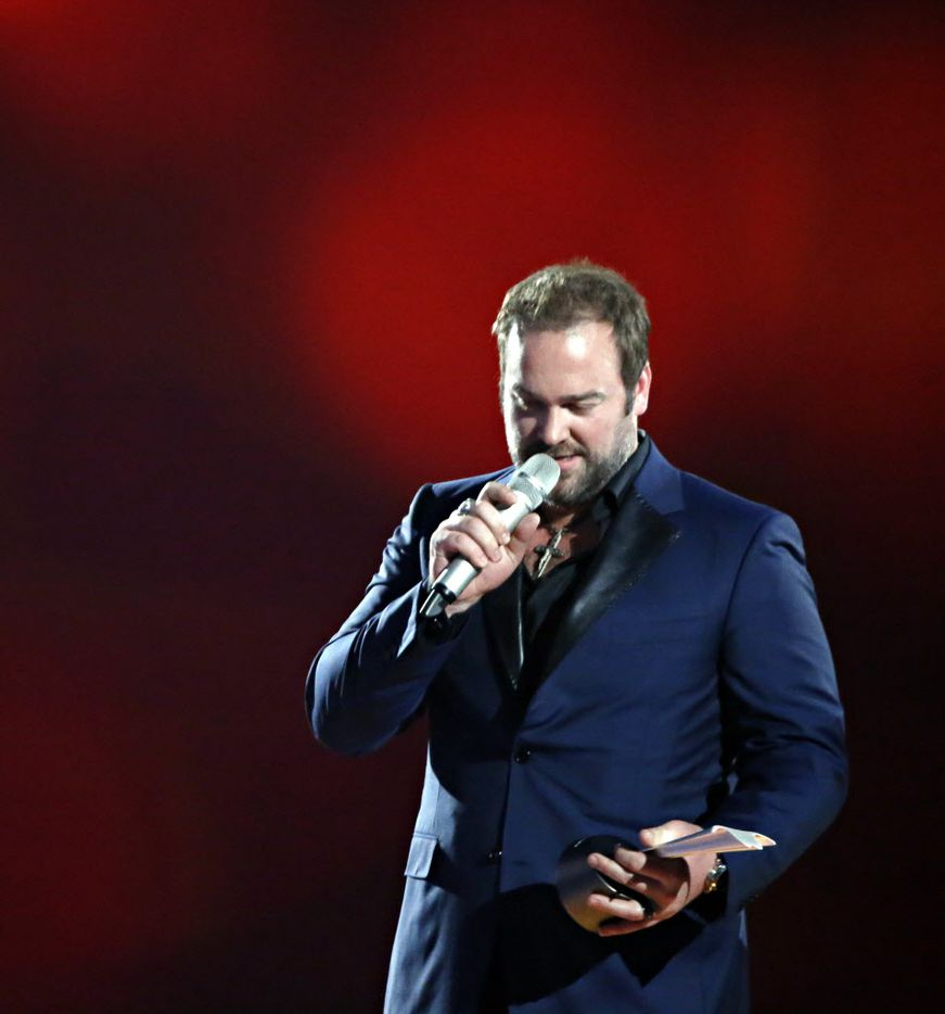 """Lee Brice receives an award for Single of the Year for """"I Don't Dance"""" during the 2015 Academy of Country Music Awards Sunday, April 19, 2015 at AT&T Stadium in Arlington, Texas."""