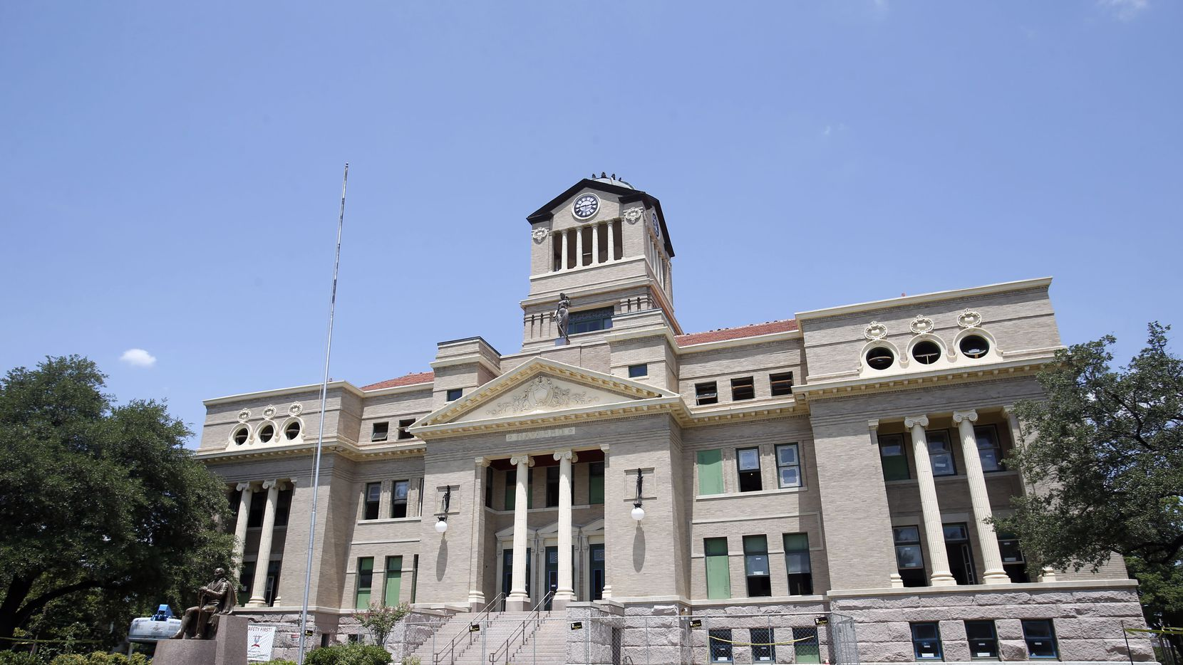 DMN file photo of the Navarro County Courthouse in Corsicana.