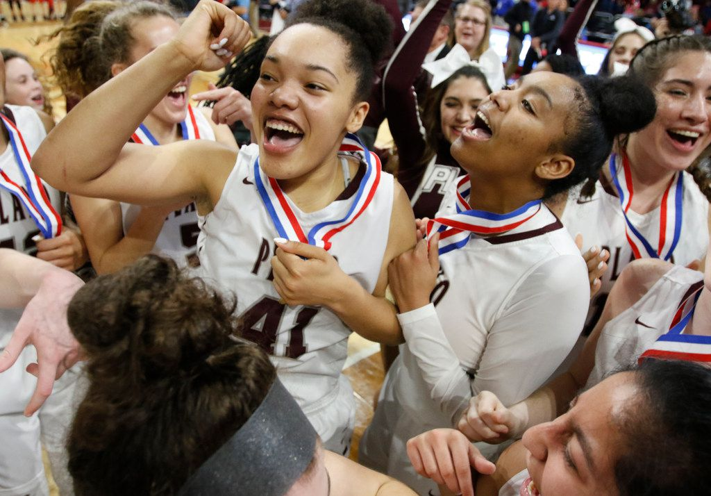 Plano's Zaria Collins and Plano's Lolo Davenport,R, cheer with the team. Plano v Converse Judson in a UIL girls basketball Class 6A on Saturday, March 3, 2018 at the Alamodome.  (Ronald Cortes/Special Contributor)  ORG XMIT: 00025007A