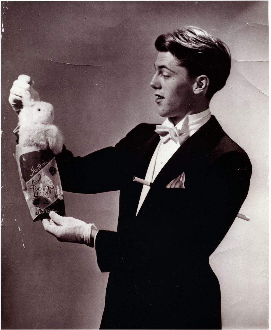 Magician Mark Wilson, Morton's Potato Chips sponsor promo photo, Dallas, circa 1950.