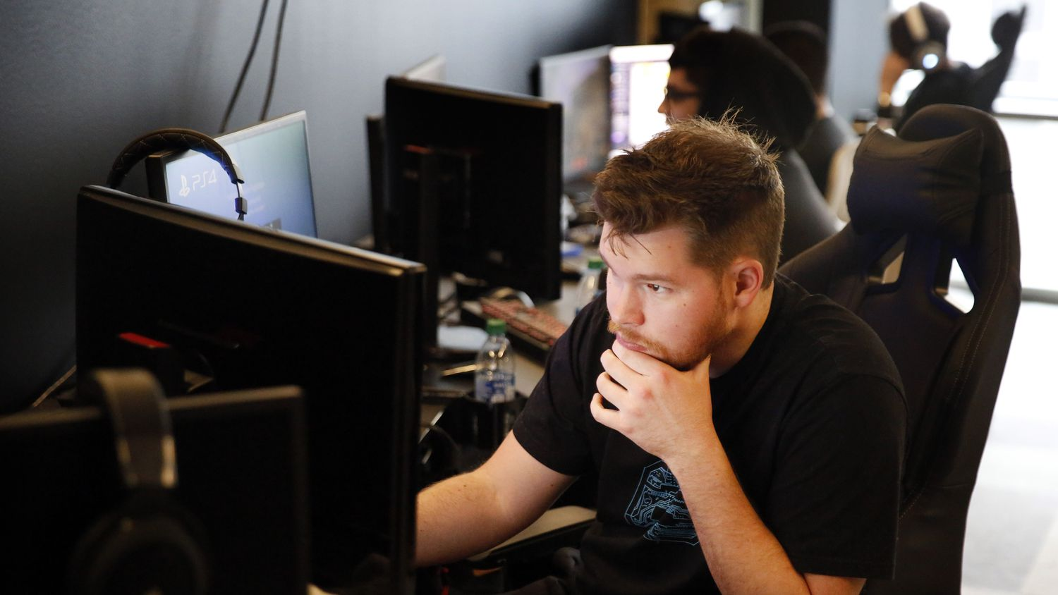 """Dallas Empire's Ian """"Crimsix"""" Porter, a Call of Duty League player, prepares for practice in their new Dallas offices in Victory Park, Wednesday, January 15, 2020. The team of 7 began practice this week in anticipation of the Jan. 24 season opener. (Tom Fox/The Dallas Morning News)"""