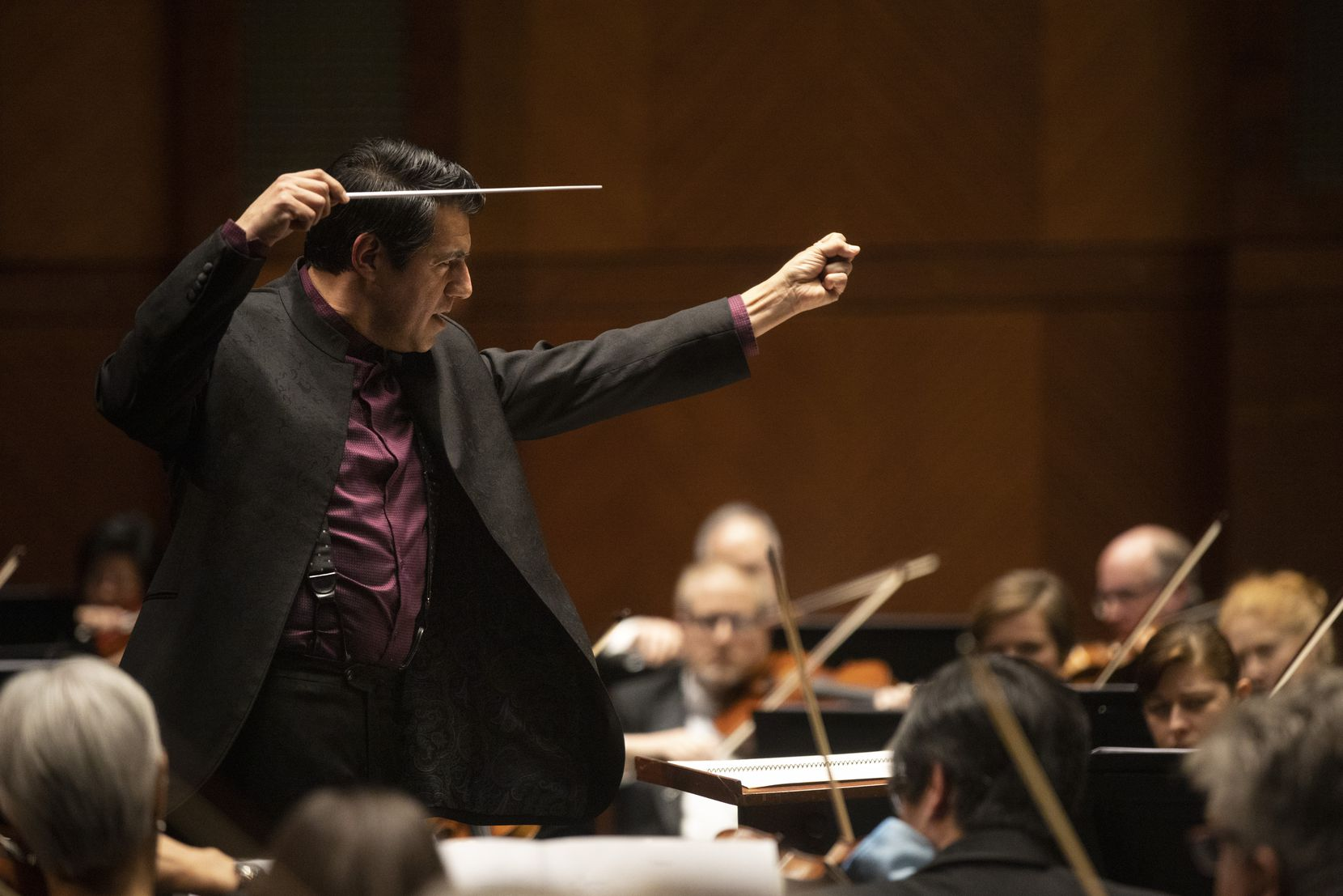 "Conductor Miguel Harth-Bedoya leads the Fort Worth Symphony Orchestra in ""Clockworking"" by María Huld Markan Sigfúsdóttir during a concert at Bass Performance Hall on Jan. 10, 2020."