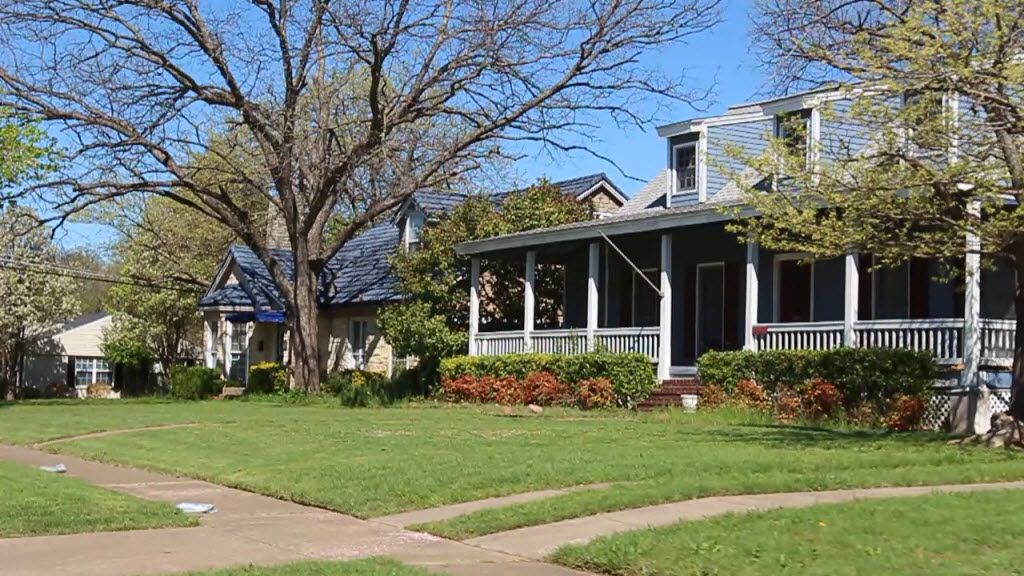 Parkdale, a neighborhood in eastern Dallas,  boasts about 950 single-family homes.