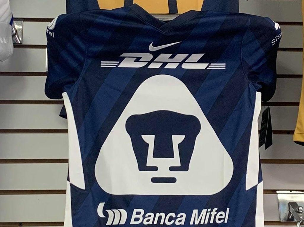 El uniforme que Pumas de la UNAM vestiría en el Torneo Apertura 2020 se filtró en redes sociales.