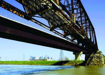 Una imagen de archivo del Río Trinity, cerca del centro de Dallas.