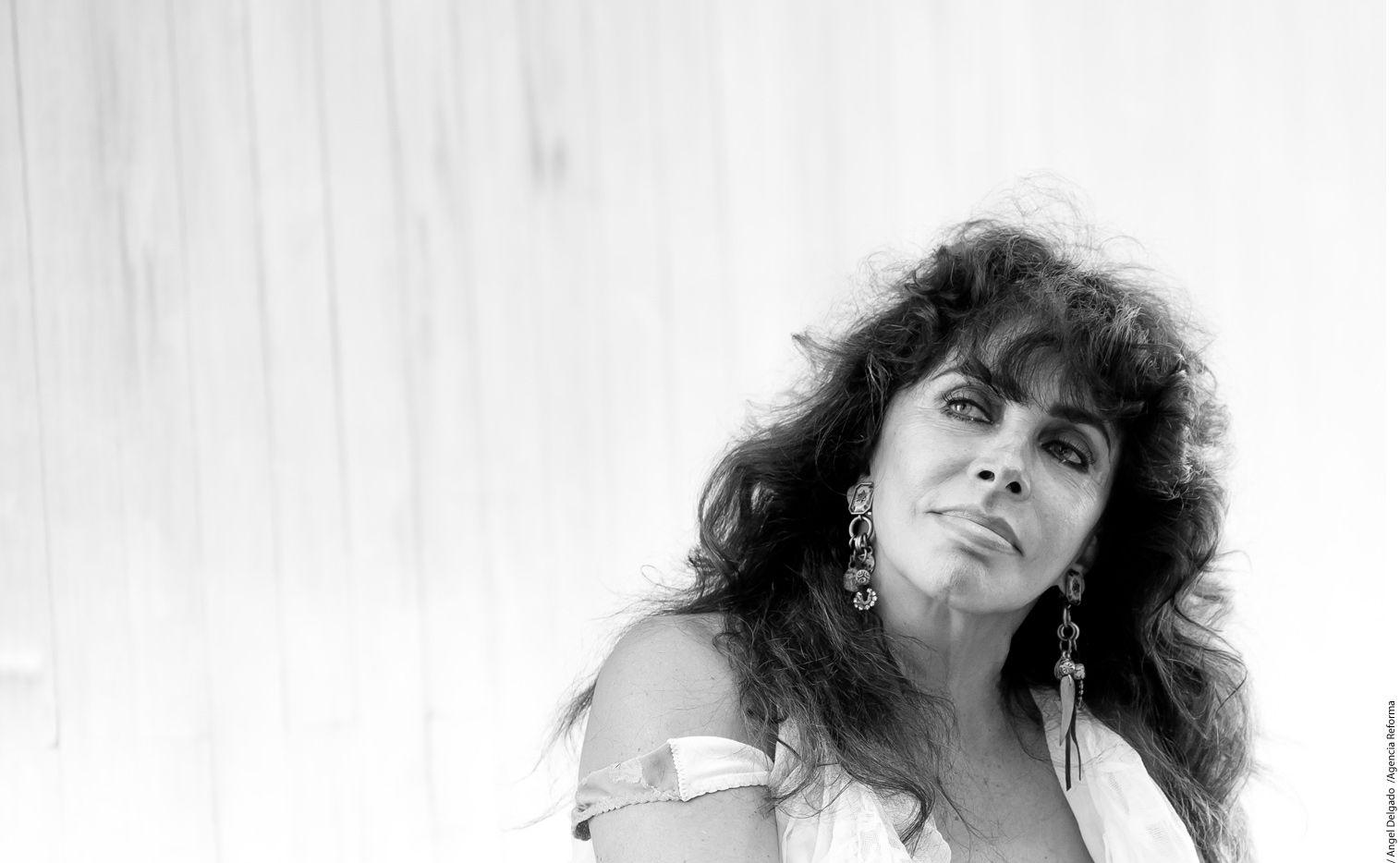 Pese a que ha sido considera uno de los rostros más bellos de México, Verónica Castro siempre se quedó esperando a su príncipe azul./ AGENCIA REFORMA