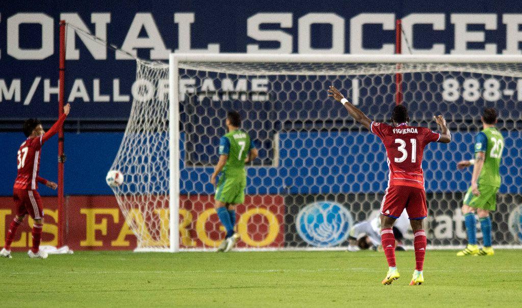 Dallas y Seattle se enfrentaron el domingo por la noche en el Toyota Stadium de Frisco. Foto AP