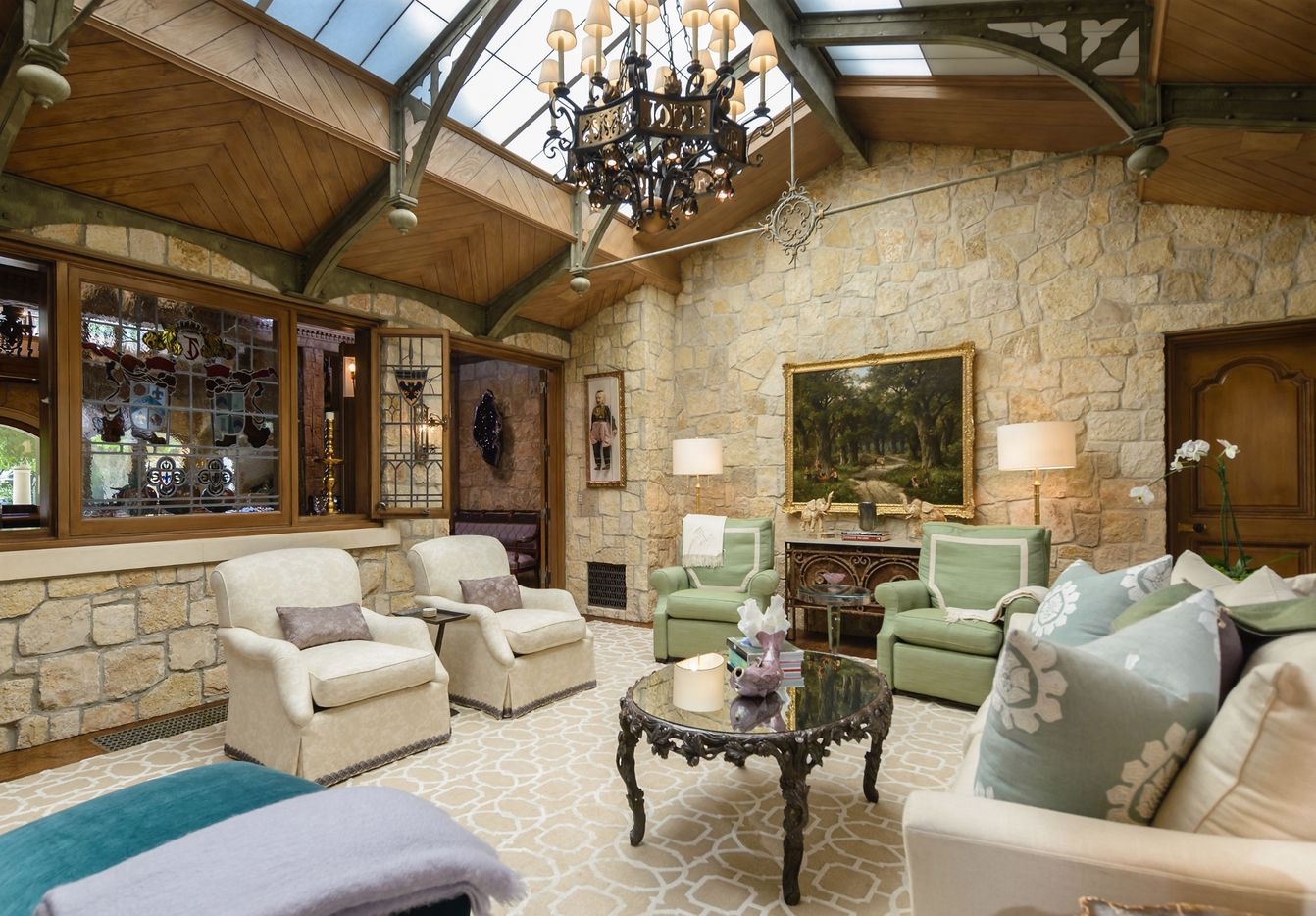 The Tolleson Estate is almost 13,000 square feet.