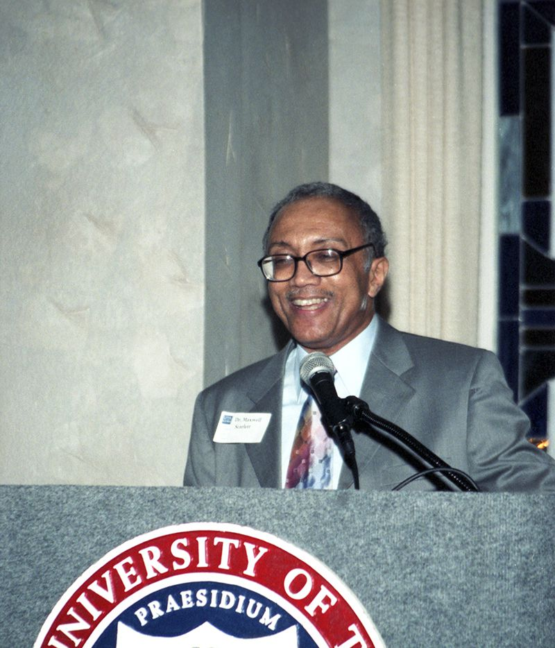 Maxwell Scarlett, First Black Graduate of University of Texas at Arlington and Fort Worth Doctor, Dies at 76