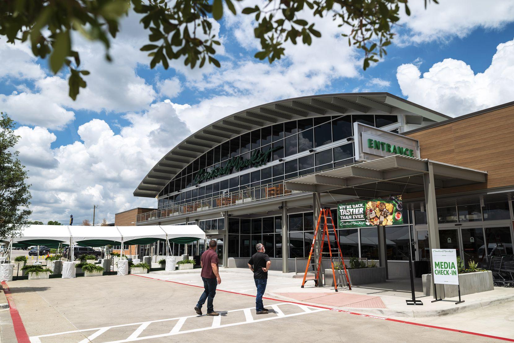 Vista del exterior de Central Market en Preston Road y Royal Lane para su reapertura el martes 29 de junio de 2021 en Dallas.
