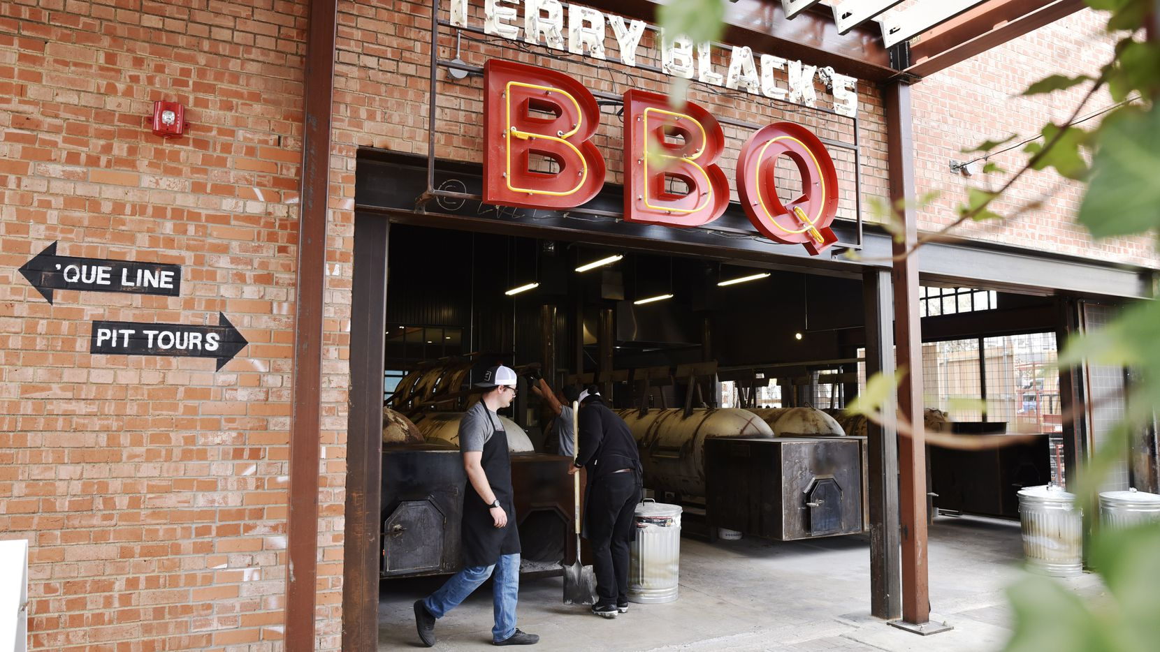 Terry Black's Barbecue, which opened in late 2019 in Deep Ellum, is now selling its smoked meats in Tom Thumb grocery stores in Dallas.