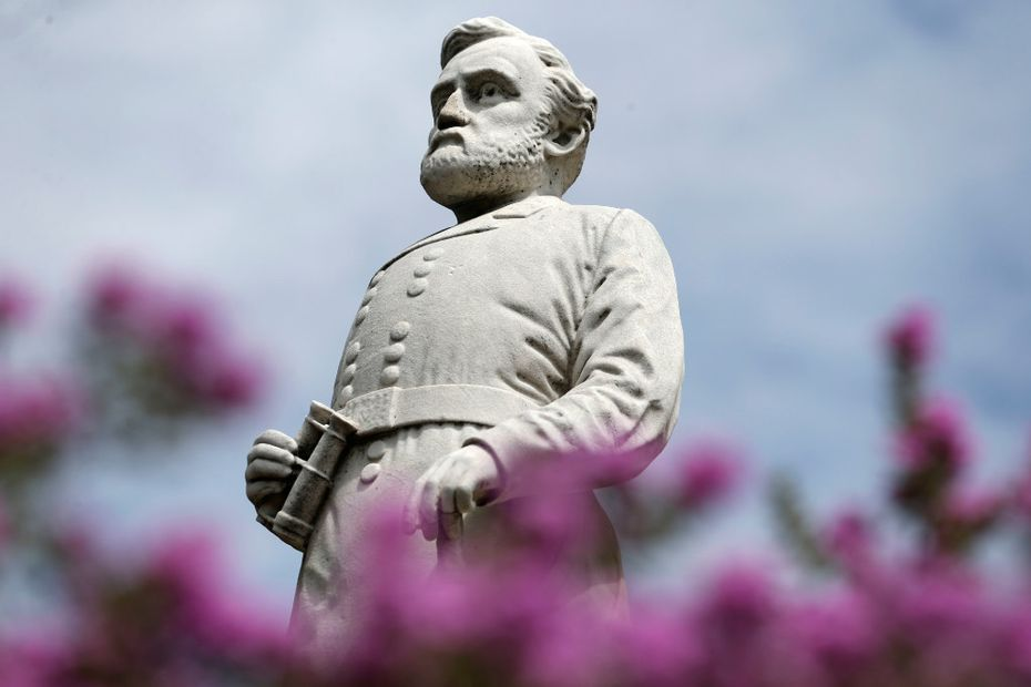 A statue of Gen. Robert E. Lee stands at the Confederate War Memorial in Dallas in September 2019.