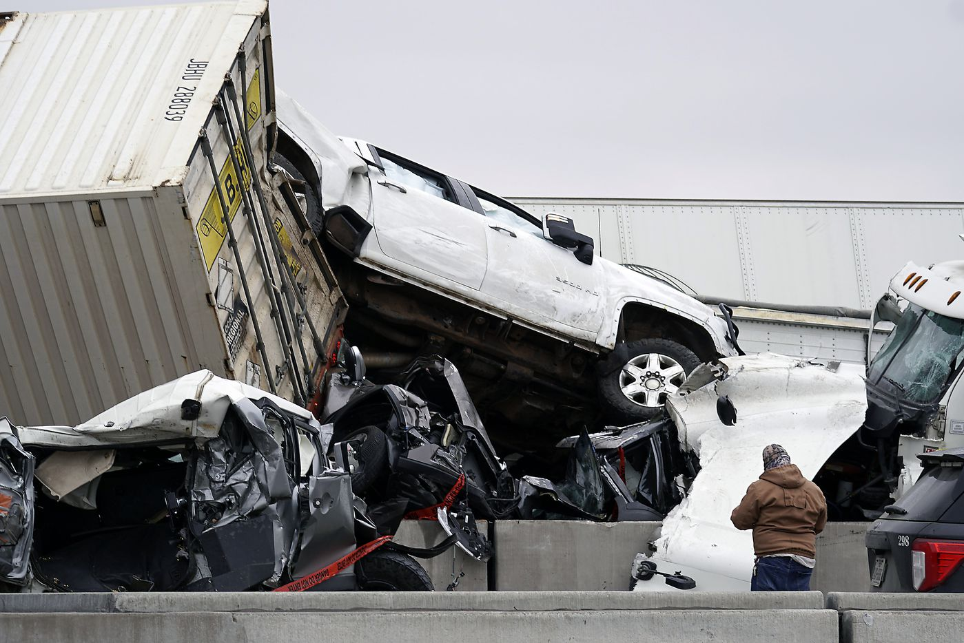 Mass casualty wreck on I-35W and Northside Drive in Fort Worth, Texas on Thursday, February 11, 2021. (Lawrence Jenkins/Special Contributor)