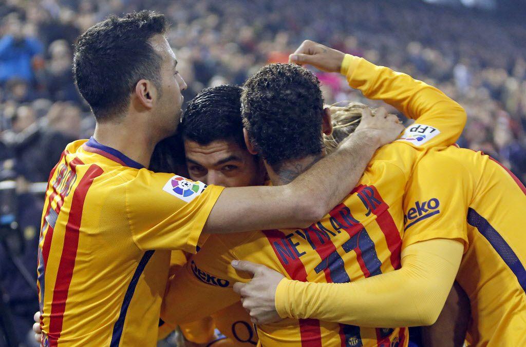Barcelona enfrenta al Deportivo La Coruña el sábado por La Liga. / AP