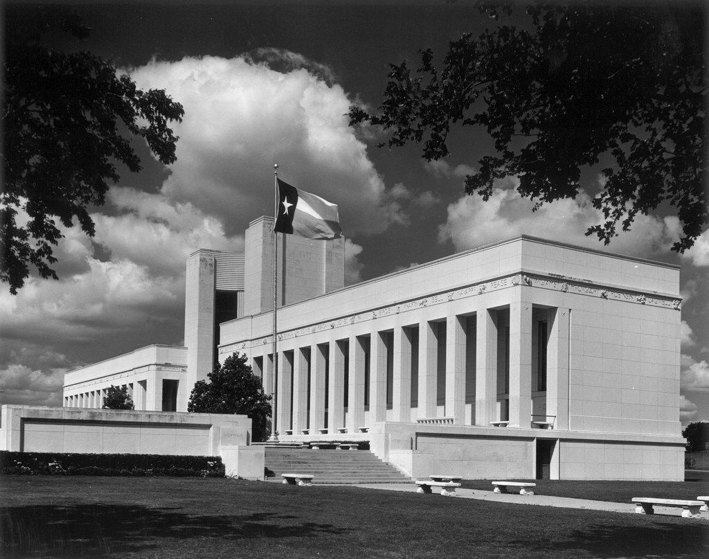 A 1970 view of the Hall of State at Fair Park in Dallas, from the State Fair of Texas archive, with the Texas flag flying. Originally called the State of Texas building, the Hall of State debuted in 1936.