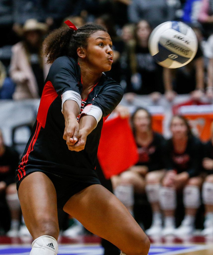 LovejoyÕs Cecily Bramschreiber  (20) returns a ball in the second set of a class 5A volleyball state semifinal match against Canyon Randall at the Curtis Culwell Center in Garland, on Saturday, November 23, 2019. Lovejoy won the second set 25-17. (Juan Figueroa/The Dallas Morning News)