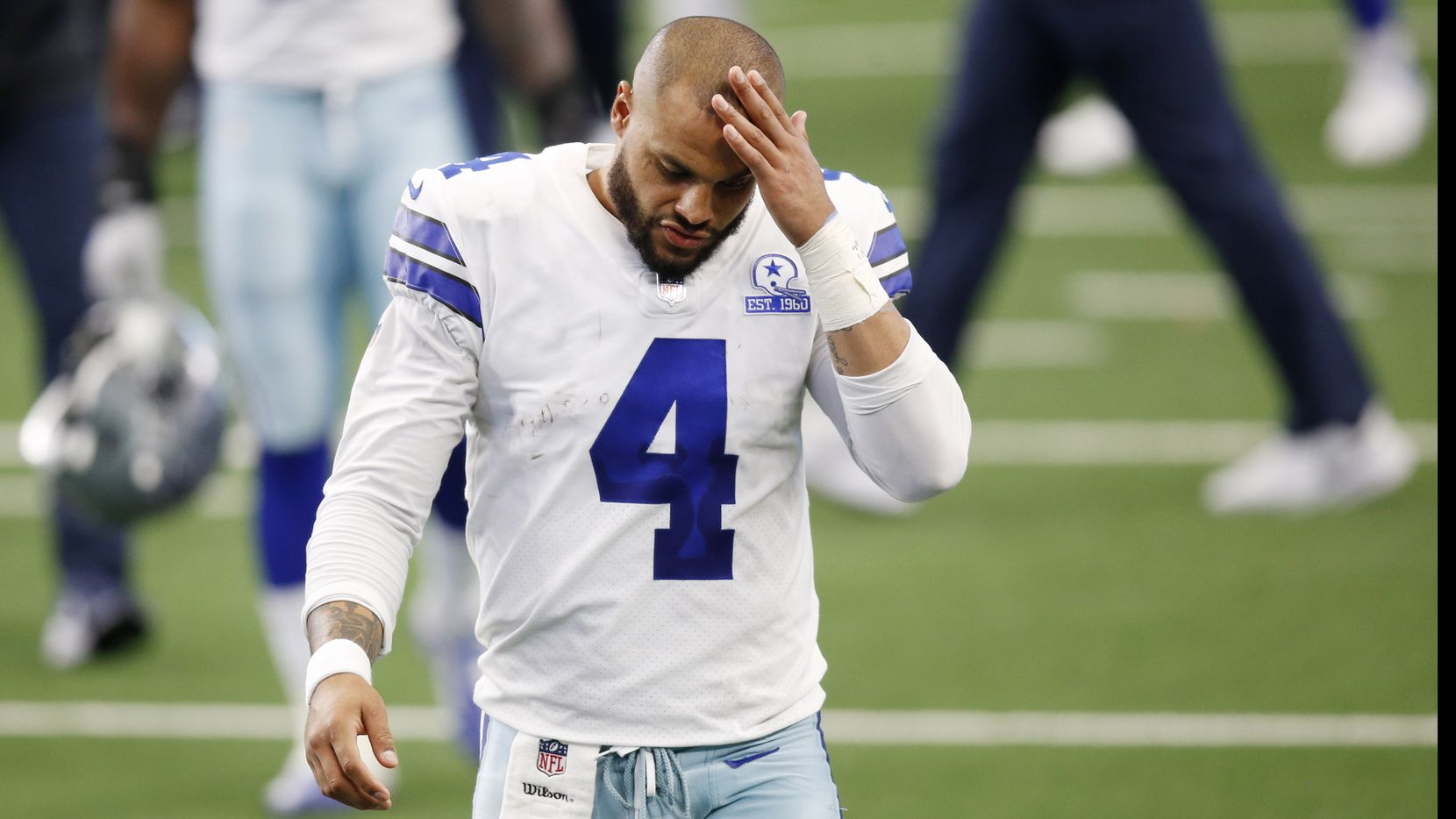 El mariscal de lo Dallas Cowboys, Dak Prescott, ha hecho un gran trabajo fuera del campo de juego para hablar sobre la ansiedad y depresión que afecta a millones de estadounidenses.