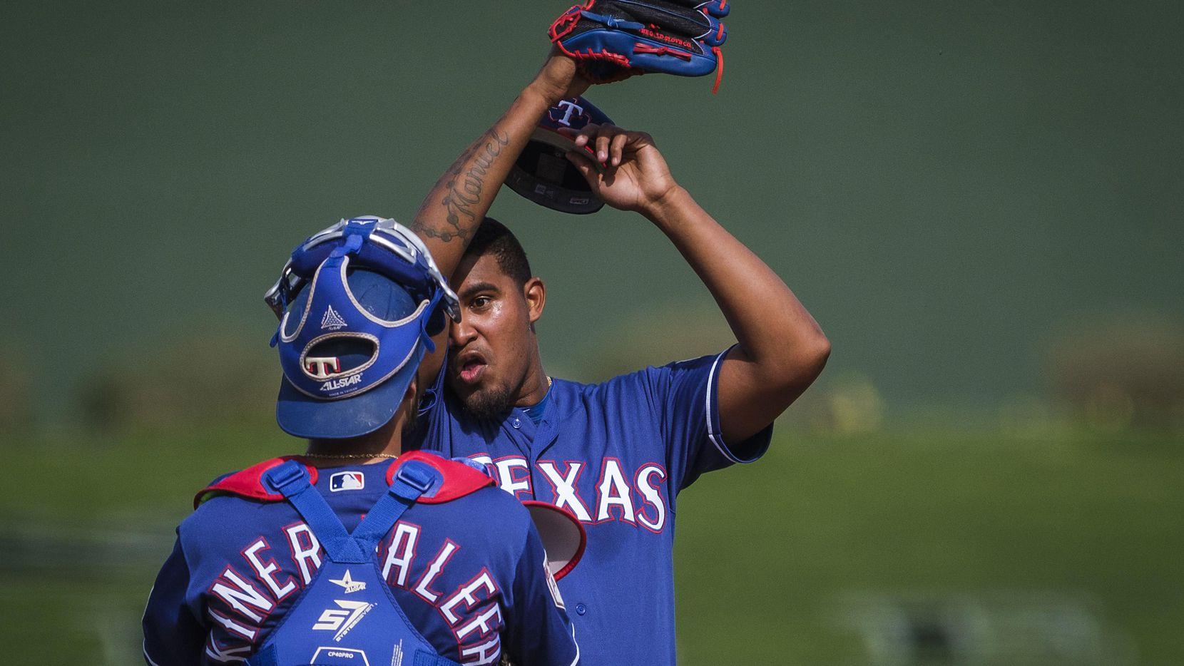 Yohander Méndez ha sido parte del cuerpo de lanzadores de los Rangers de Texas durante la pretemporada. (DMN/SMILEY N. POOL)