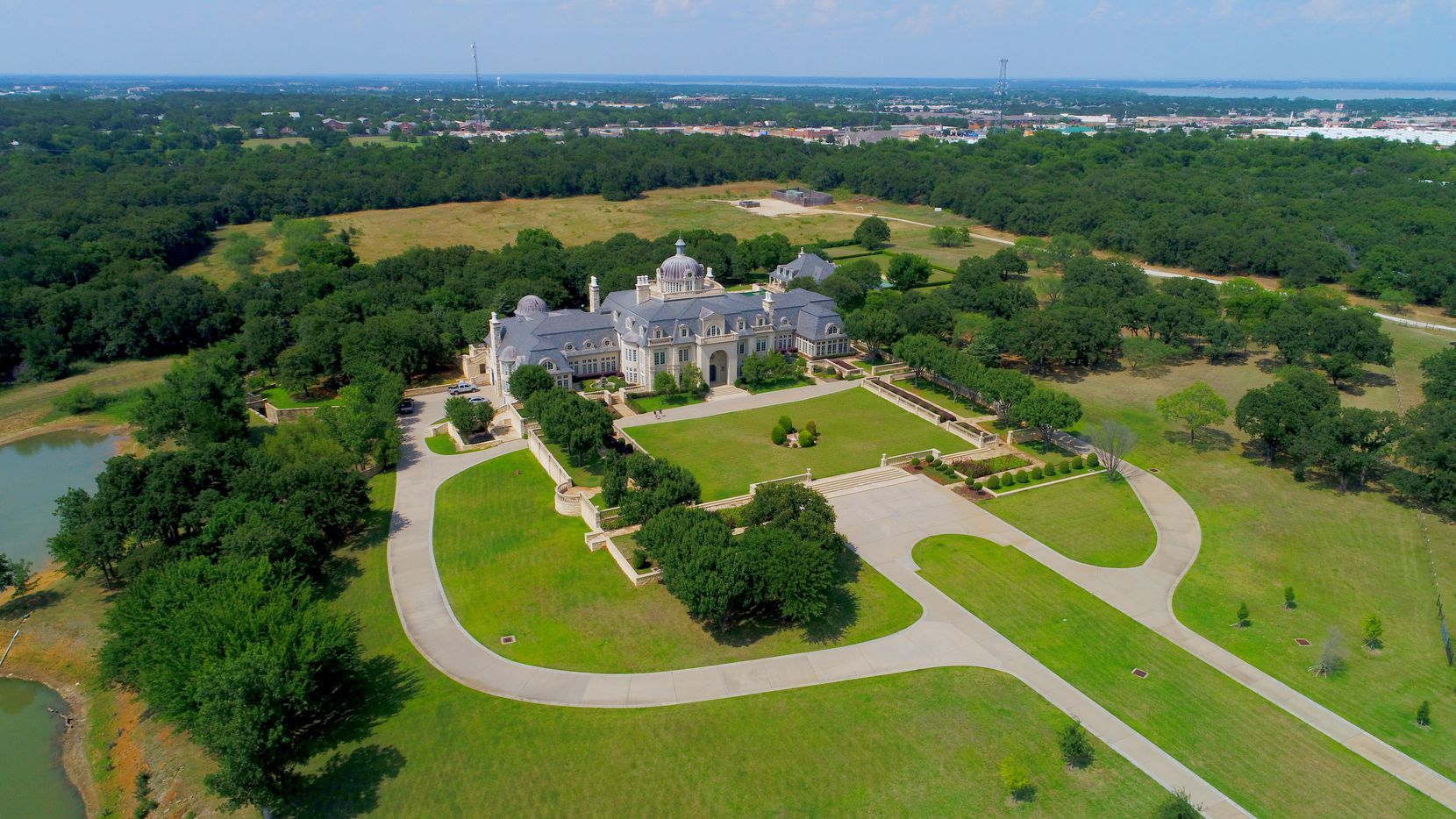 Champ d'Or in Hickory Creek has 48,000 square feet.