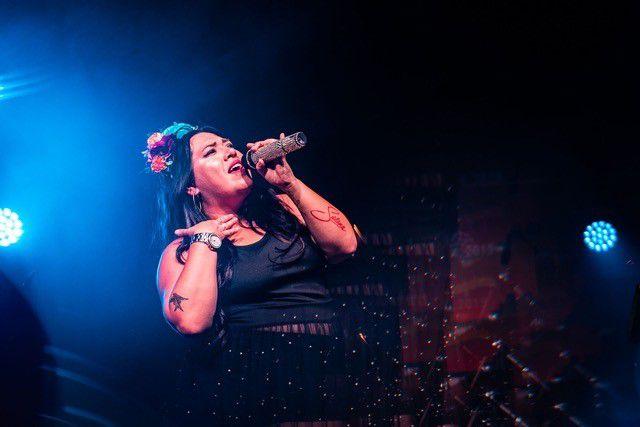 """Bidi Bidi Banda, un grupo de Austin que canta canciones de Selena Quintanilla estará en el primer """"Addison After Dark"""" de 2021."""