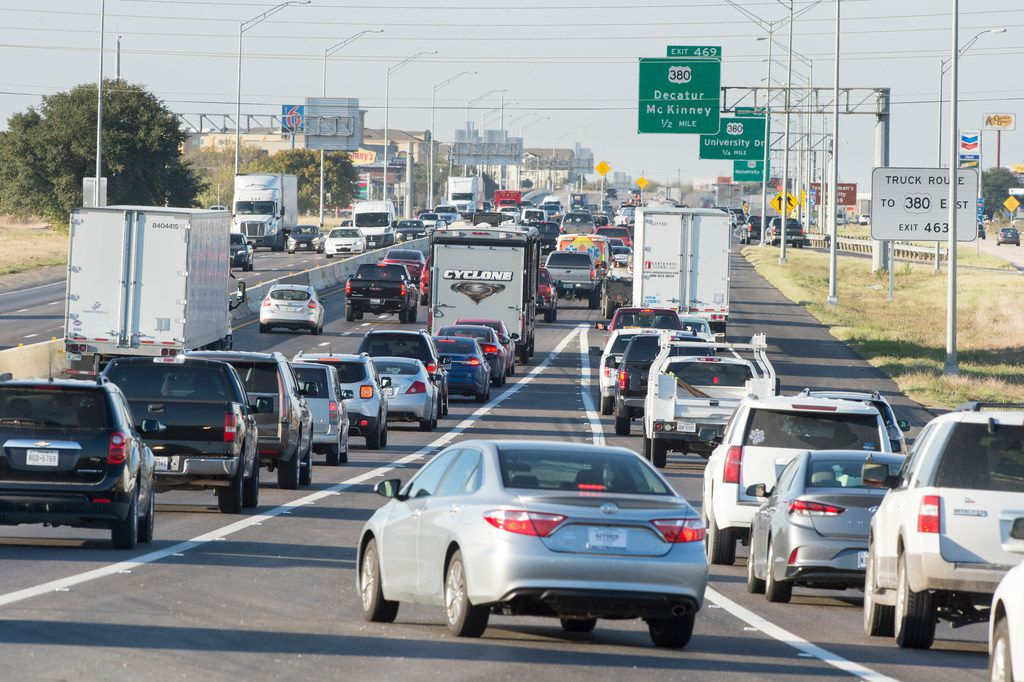 Drivers at the junction of Interstate 35E, left, and 35W, right, slow down and cross paths as they try to merge into the right lane which later exits to US-380. Wednesday, November 1, 2017, Interstate 35 in Denton, Texas. Jake King/DRC ORG XMIT: txder