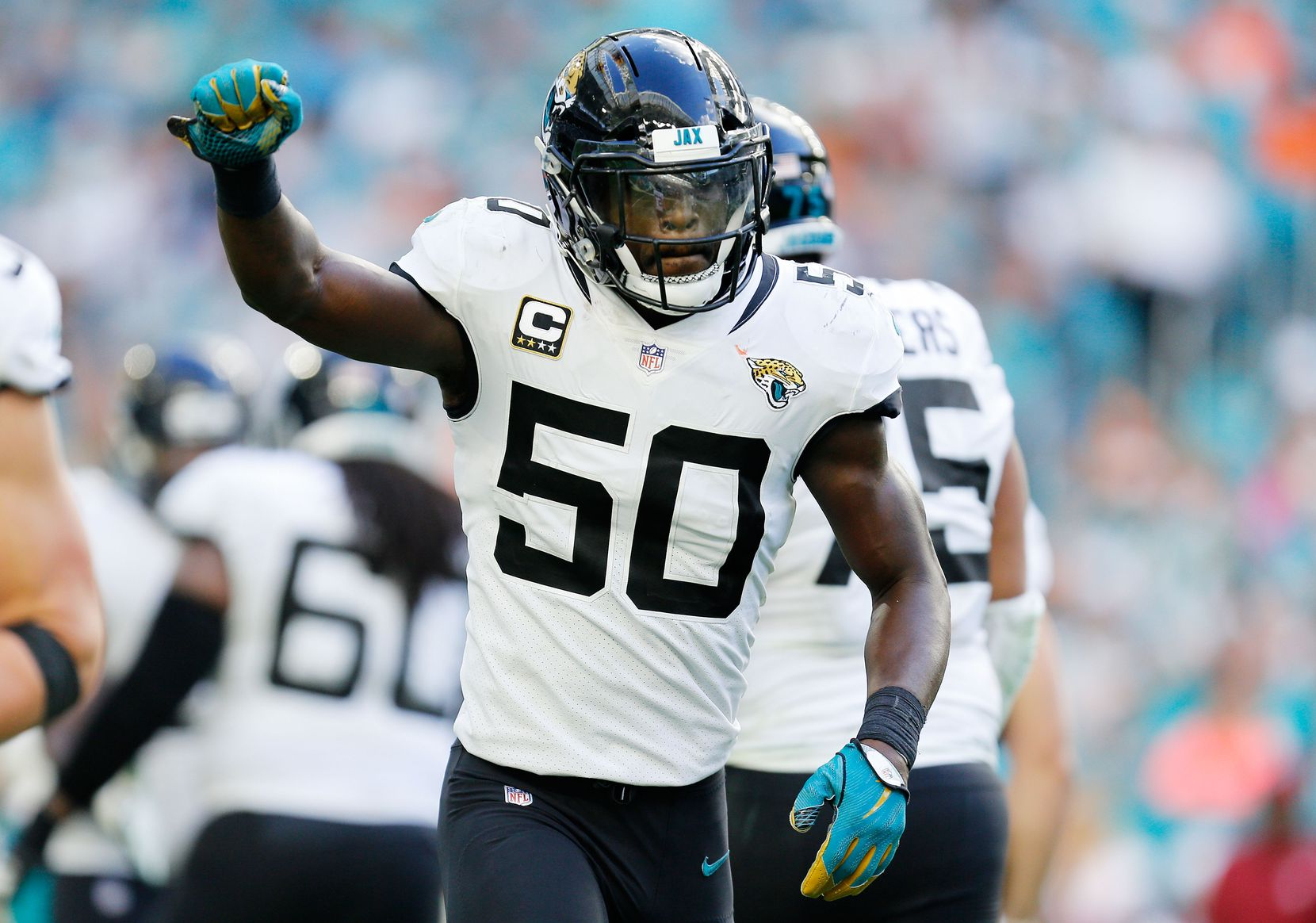 MIAMI, FLORIDA - DECEMBER 23:  Telvin Smith #50 of the Jacksonville Jaguars celebrates after intercepting a pass for a touchdown in the fourth quarter against the Miami Dolphins at Hard Rock Stadium on December 23, 2018 in Miami, Florida. (Photo by Michael Reaves/Getty Images)