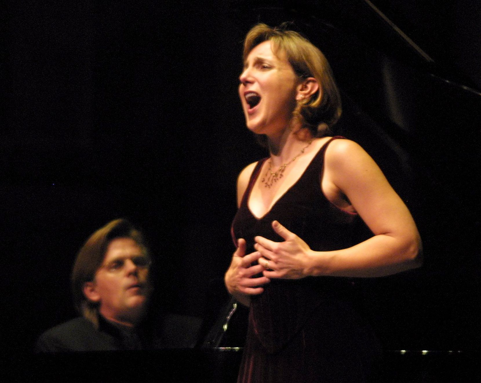 Soprano Dawn Upshaw performs with pianist Stephen Prutsman at Bass Performance Hall in Fort Worth in 2002.