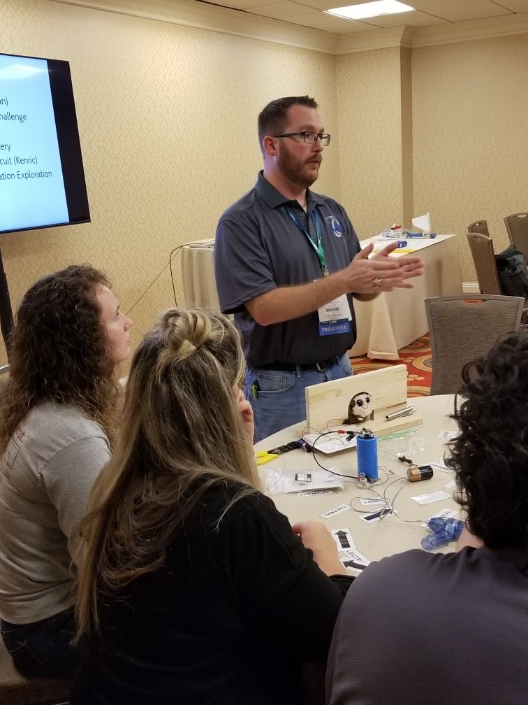Liberty High School teacher Kenric Davies leads a workshop about using cartoons to teach physics concepts to elementary and middle school students at the Conference for the Advancement of Science Teaching on Nov. 22, 2019, in Dallas. (Kenric Davies).