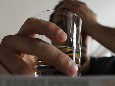 El consumo de alcohol se ha disparado desde que comenzaron las cuarentenas en Estados Unidos.