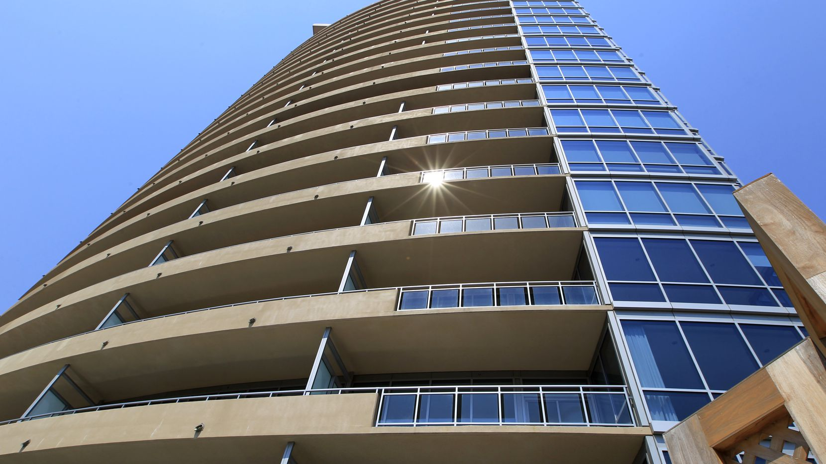Both boomers and millennial like Dallas' new high-rise housing but they want different size units.