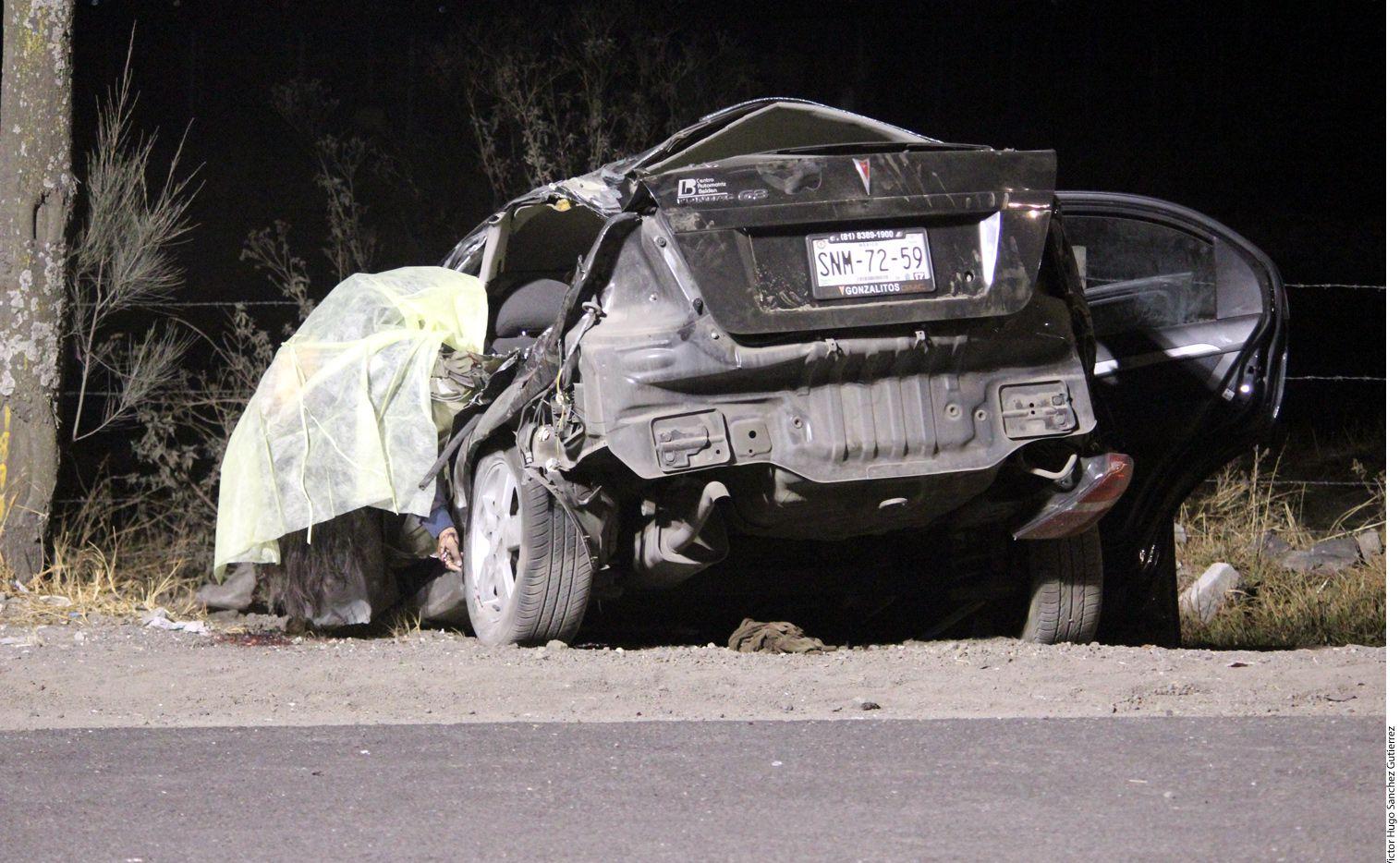 La Procuraduría de Justicia confirmó que quien conducía el Pontiac, placas SNM-7259, del Estado de México, era Luis Eduardo, de 12 años de edad./ AGENCIA REFORMA