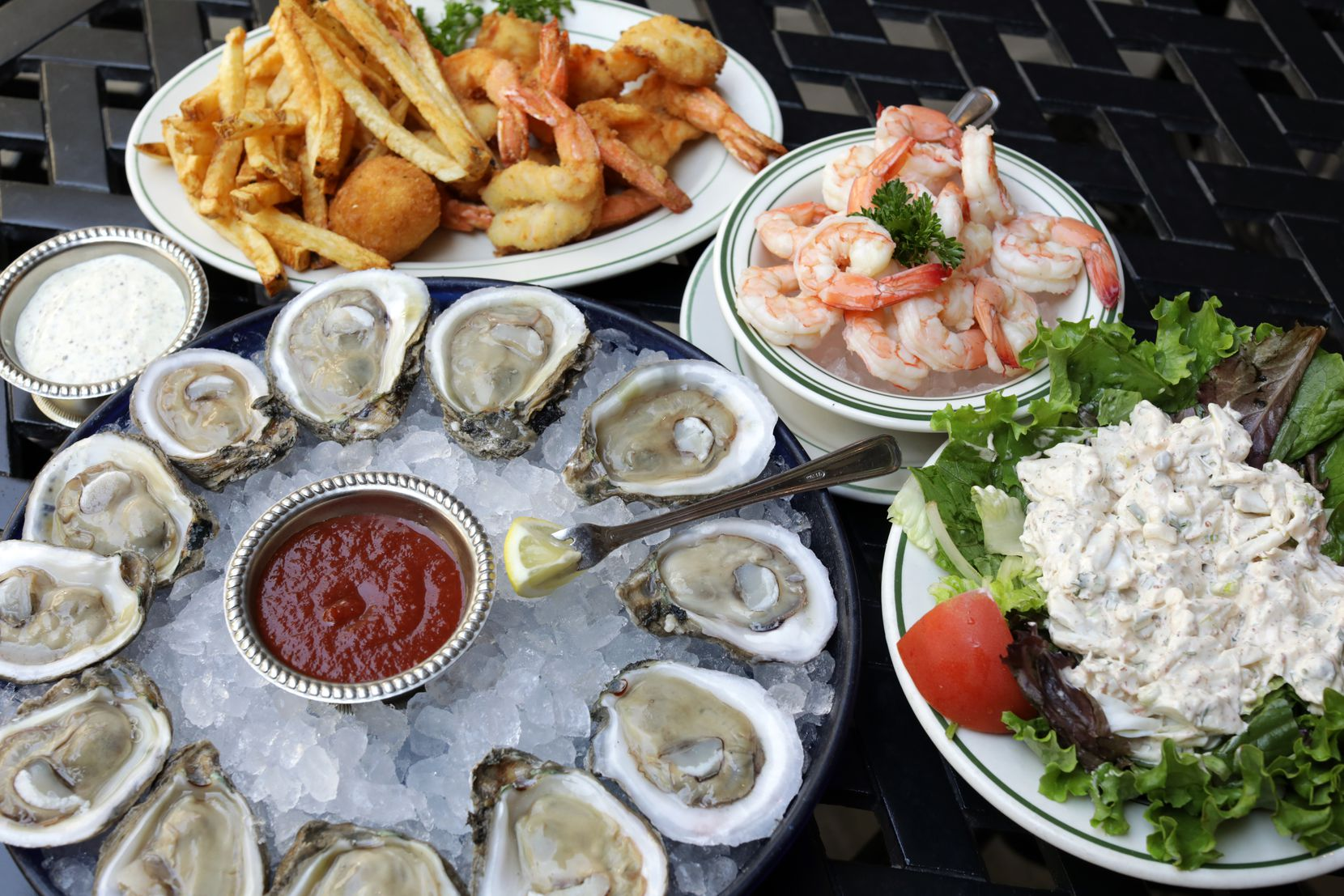 S&D Oyster Company in Uptown Dallas is more than 40 years old. A few years ago, it added a charming back patio.
