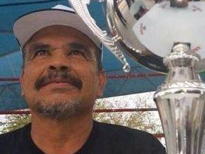 El entrenador Jonathan Oros falleció en el accidente junto a siete de sus boxeadores.