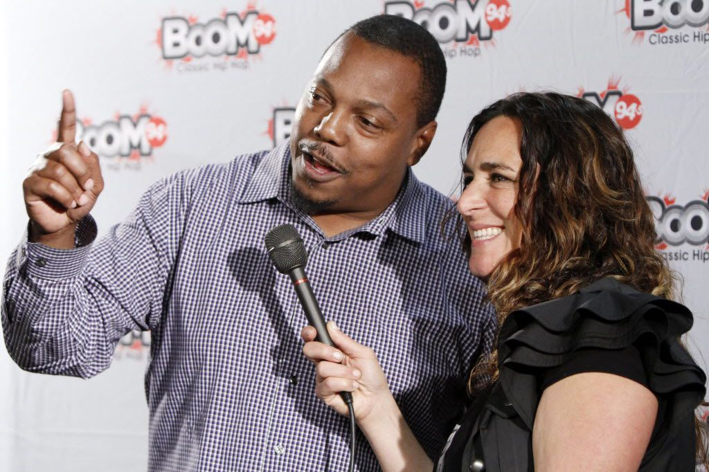 Former Dallas Cowboys defensive back Kevin Smith conducts an interview with Fonya Mondell on the red carpet during The D.O.C. Straight Outta Dallas Hip Hop event, on Saturday, Oct. 17, 2015 at The Bomb Factory in Dallas.
