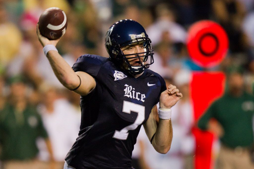 ORG XMIT: 323920 Rice Owls quarterback Nick Fanuzzi (7) fires a pass against the Baylor Bears during the first half in college football action at Rice Stadium on Saturday, Sept. 25, 2010, in Houston. ( Smiley N. Pool / Houston Chronicle )