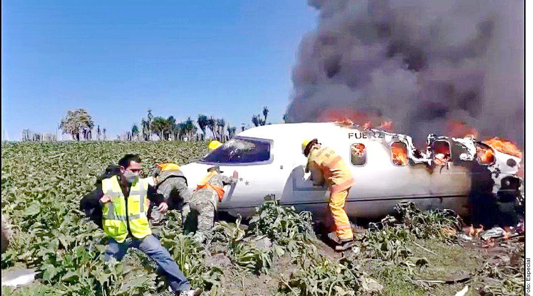 Un Learjet 45 de la Fuerza Aérea Mexicana se desplomó el fin de semana en las inmediaciones del Aeropuerto Nacional El Lencero, en el estado de Veracruz.