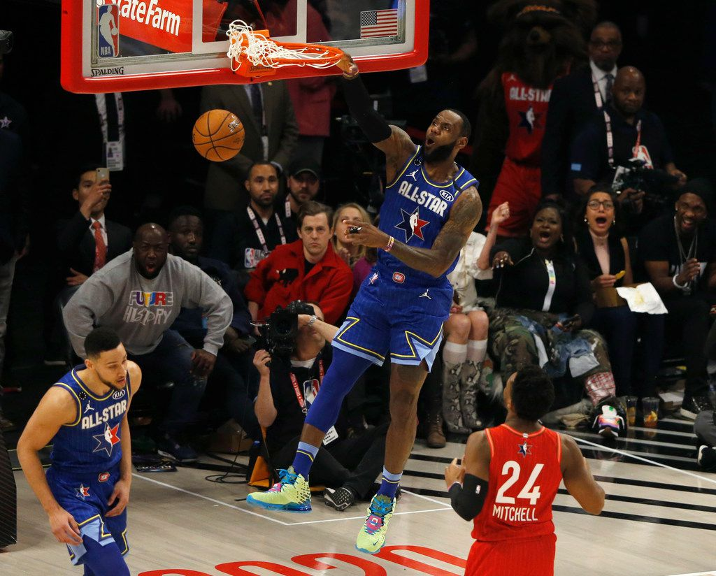 Team LeBron's LeBron James (2) dunks in a game against Team Giannis during the second half of play in the NBA All-Star 2020 game at United Center in Chicago on Sunday, February 16, 2020. Team LeBron defeated Team Giannis 157-155. (Vernon Bryant/The Dallas Morning News)