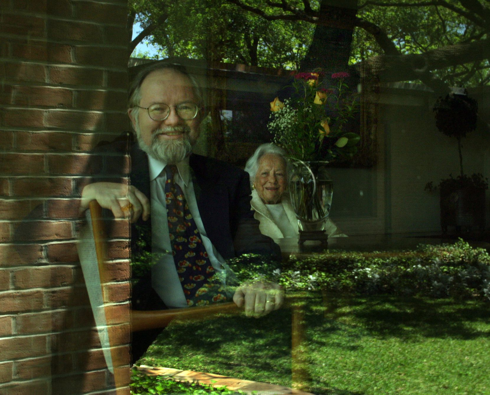 Margaret McDermott (right) and Rick Brettell, photographed in 2004 at McDermott's home in Dallas.