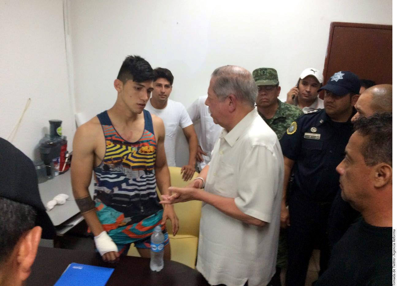 Luego de permanecer sucuestrado por más de 24 horas, al filo de la medianoche, el Gobierno de Tamaulipas informó, que en un fuerte operativo de búsqueda y en el que habrían abatido a uno de los delincuentes, liberaron al ex jugador de Tigres, Alan Pulido (izq)./AGENCIA REFORMA