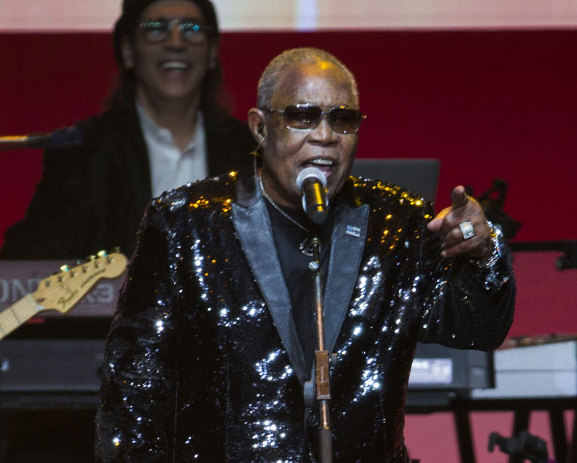 Sam Moore performs.